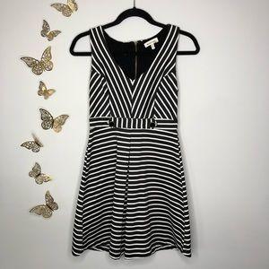 🦋🌙 MONTEAU   Black & White Striped Sailor Dress